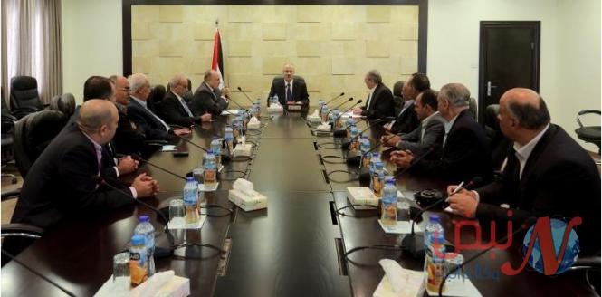 مجلس الوزراء يدعو لتمكين الموظفين للعودة إلى عملهم في قطاع غزة